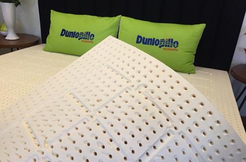 Dunlopillo-ra-mat-dem-cao-su-Latex-World-Relax