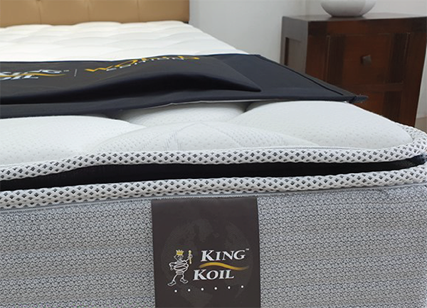 Đệm lò xo King Koil Cloud Pillow Top
